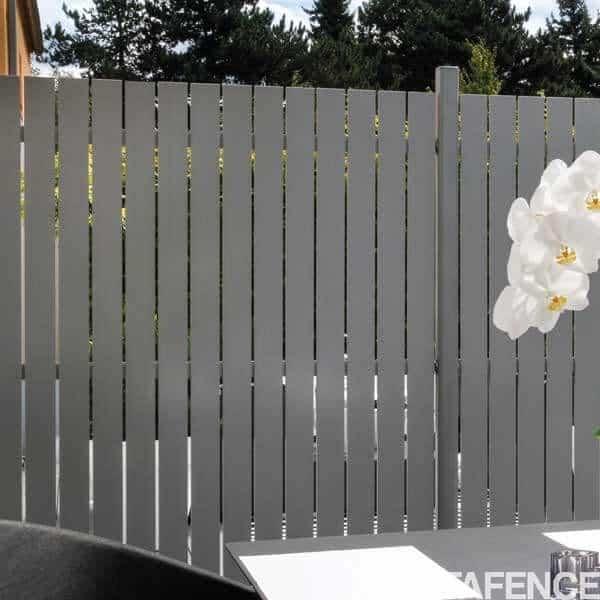 cloture aluminium cloture horizen squadra panneau aluminium horizen squadra with cloture. Black Bedroom Furniture Sets. Home Design Ideas