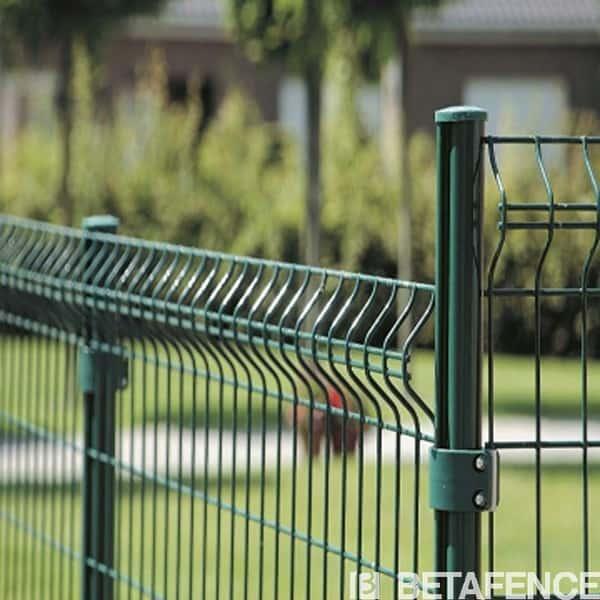 Ce portail (2 vantaux)de la gamme Bekafor Classic, s'associe parfaitement avec les clôtures composées de panneaux à plis.Nos produits sont de fabrication européenne et répondent aux normes environnementales en vigueur. La garantie 10 ans Betafence est un gage de qualité et de longévité pour votre portail.Manuel de pose et description du portail pour clôtures Bekafor Classic