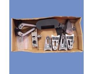 Boite d\'accessoires pour portails avec poteaux ronds