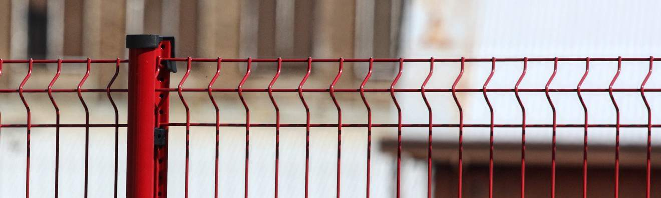 Poteaux pour clôtures en panneaux