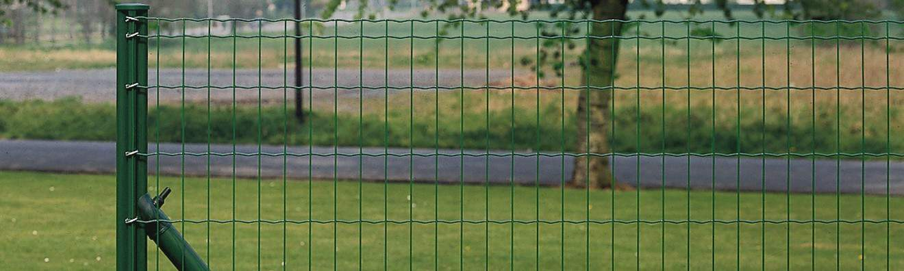 Poteaux pour clôtures en rouleaux