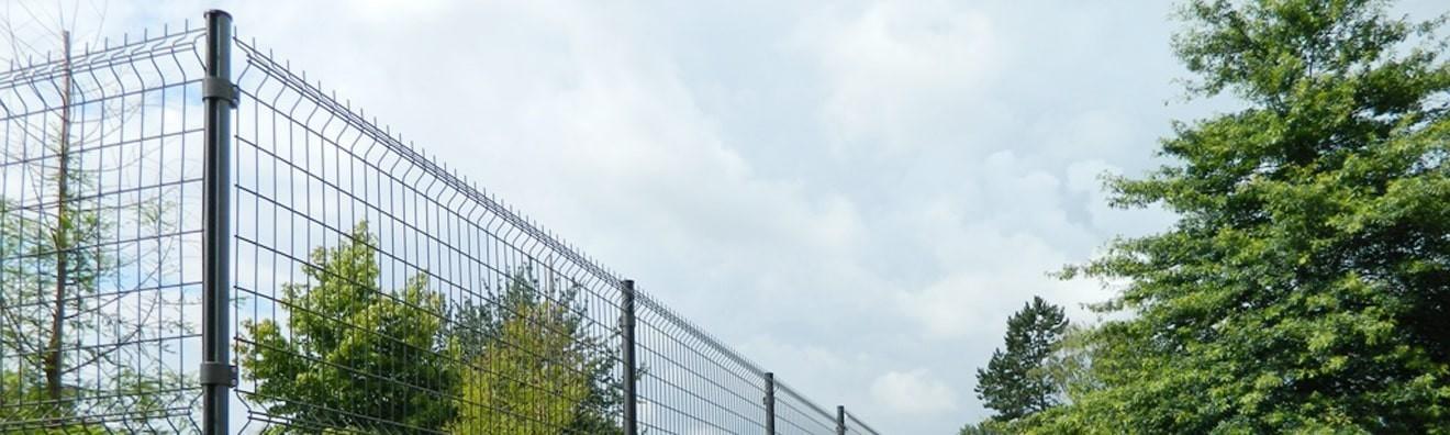 Poteaux de clôture