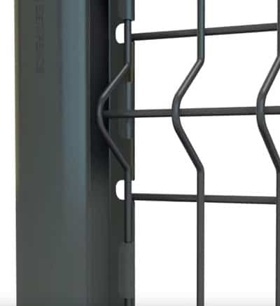 positionnement d'un panneau à plis dans un poteau à encoche
